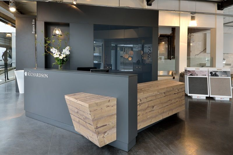 conception meuble sur mesure voiron fabrication mobilier bois grenoble agencement restaurant. Black Bedroom Furniture Sets. Home Design Ideas